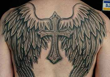 Tatouage dos homme 1001 tatouage - Tatouage aile d ange homme ...