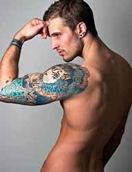 tatouage-bras-homme-couleur.jpg