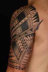 tatouage-demi-manchette-homme.jpg