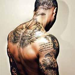 tatouage-haut-du-dos-homme.jpg