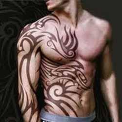 tatouage-tribal-torse-homme.jpg